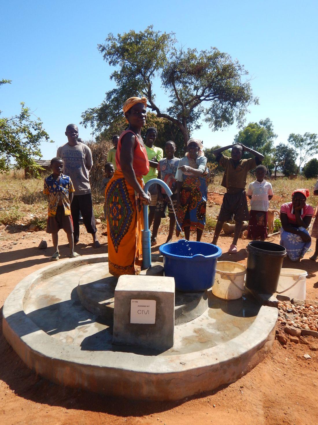 Khombachichu Nguluwe - pump 21168